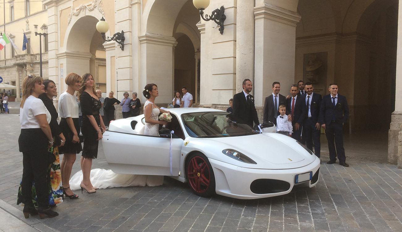 Matrimonio In Ferrari : Noleggio ferrari per matrimonio in tutta italia